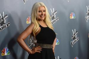 [Fotos+Videos] Christina Aguilera en la Premier de la 4ta Temporada de The Voice 2013 - Página 4 Th_985716437_Christina_Aguilera_03_122_29lo