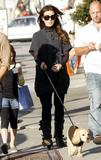Kate Beckinsale and Len Wiseman walking in Santa Monica, 08/10/13